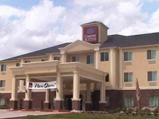 Comfort Suites Texas Ave.: Front of the buliding