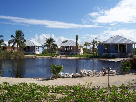 Emerald Palms by the Sea: Cottages and a little lake (these are toward the rear)