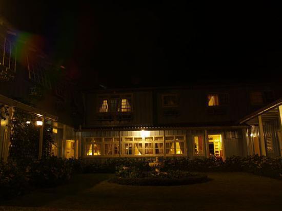 Hotel Panamonte: Back at Night