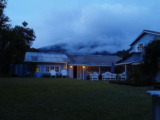 Hotel Panamonte: Hotel in Mist