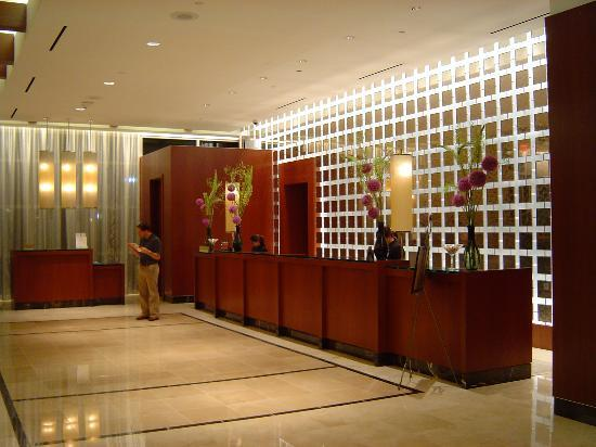 Renaissance Las Vegas Hotel: Renaissance Las Vegas check-In