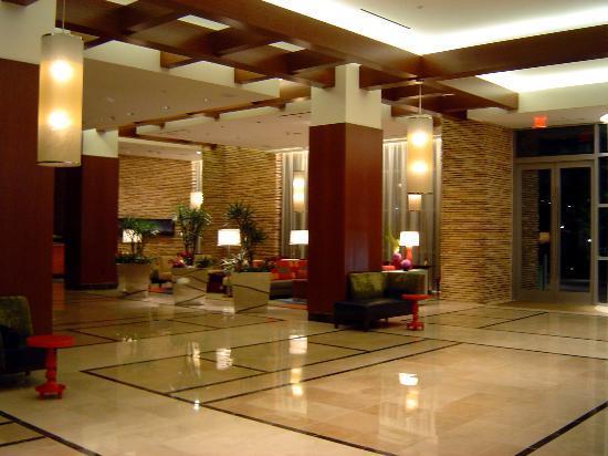 Renaissance Las Vegas Hotel : Renaissance Las Vegas Lobby 3