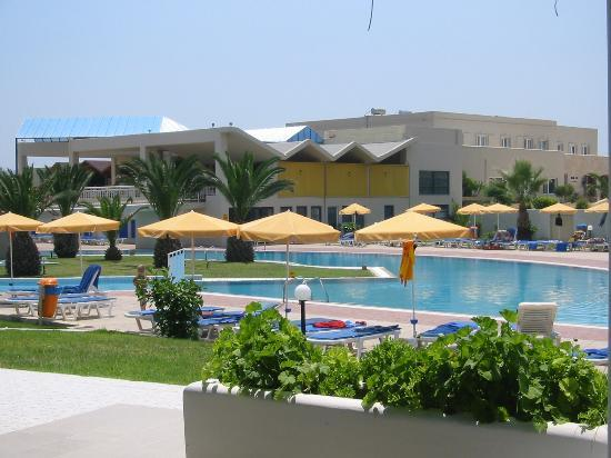 Holiday Village Kos by Atlantica: Main building and pool