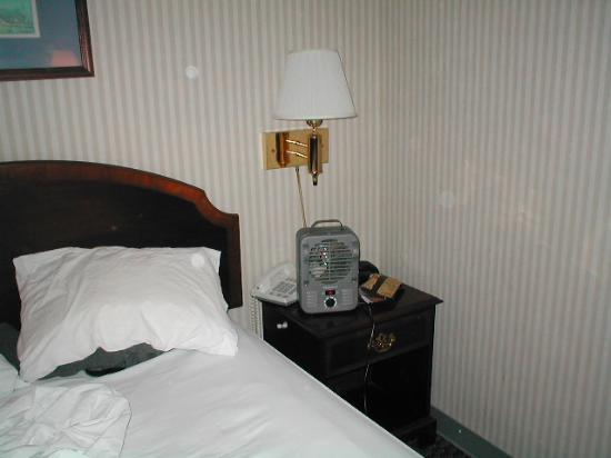 New Haven Inn: tiny space heater used when heat was not working