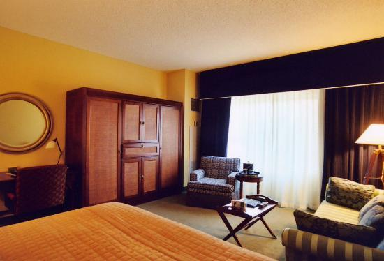Doubletree by Hilton Chicago O'Hare Airport - Rosemont: Room 530, Doubletree O'Hare