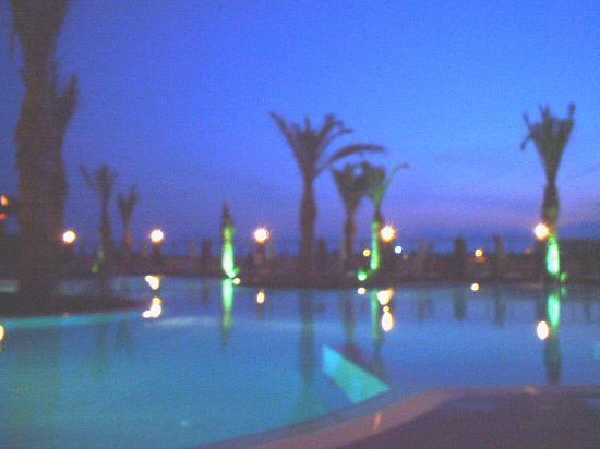 Liberty Hotels Lara : pool by night