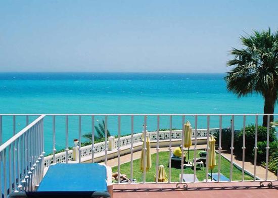Hotel Paraiso del Mar: From the balcony door.
