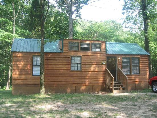 Lake Rudolph Campground & RV Resort: Cabin 220
