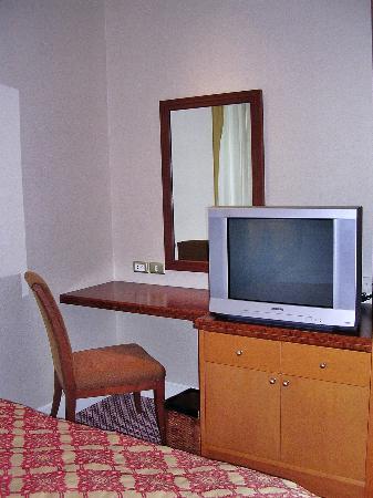 Mayfair, Bangkok - Marriott Executive Apartments : Guest Room 2