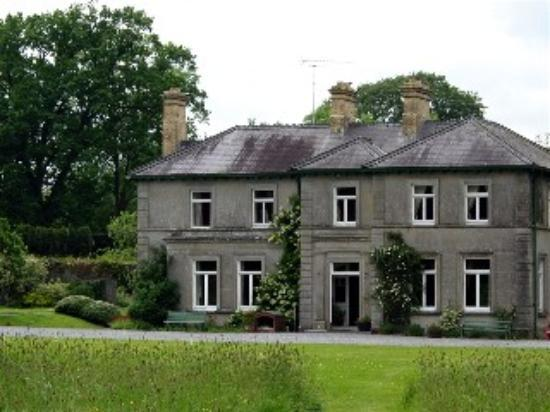 Mornington House: Picture of the front of Mornington