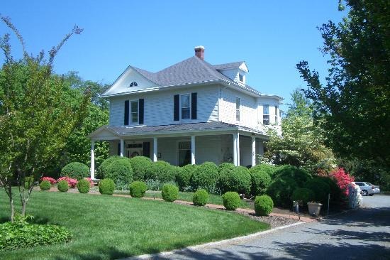 Bennett House Bed and Breakfast