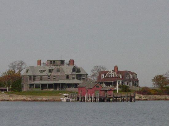 OceanQuest: Visit beautiful Hadley's Harbor and see more wildlife!