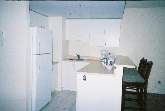 Hotel Faubourg Montreal : Kitchen area