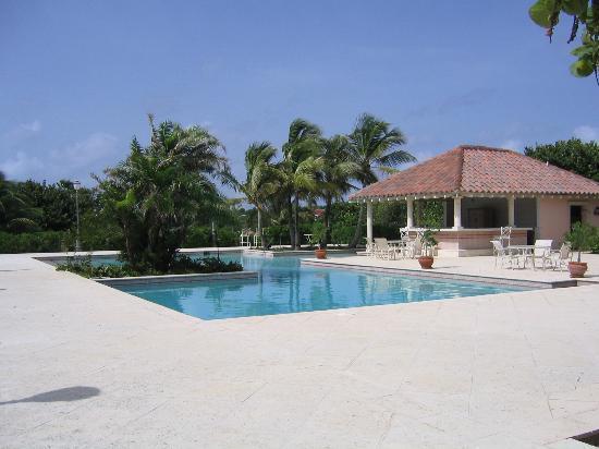 Frangipani Beach Resort: Frangi Pool