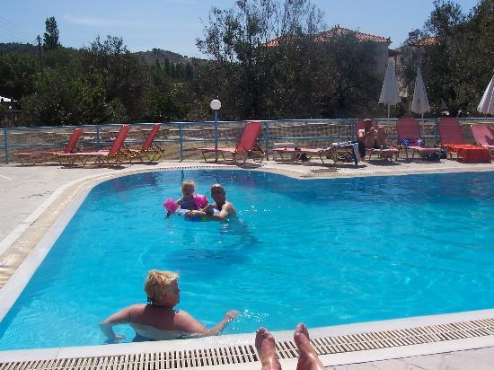 Poseidon Apartments : poseiden pool