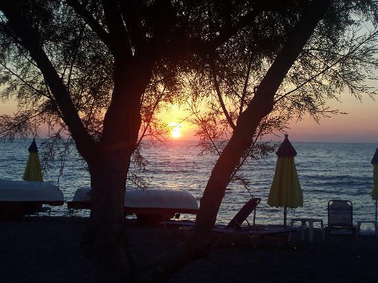 Poseidon Apartments : sunset anaxos style
