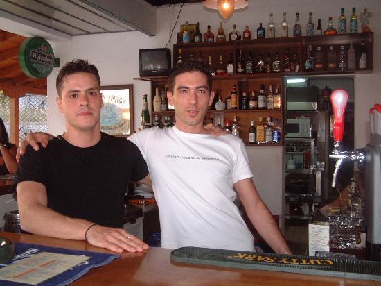 Nostos Hotel: the boys behind the bar........