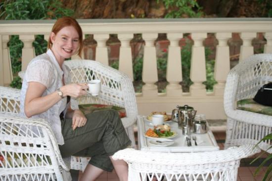 Pax Guest House: Enjoying high tea.