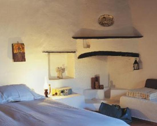 Koutsounari Traditional Cottages: afentikobedroom