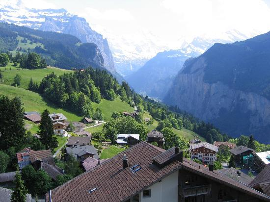 Wengen, İsviçre: View from Room 407