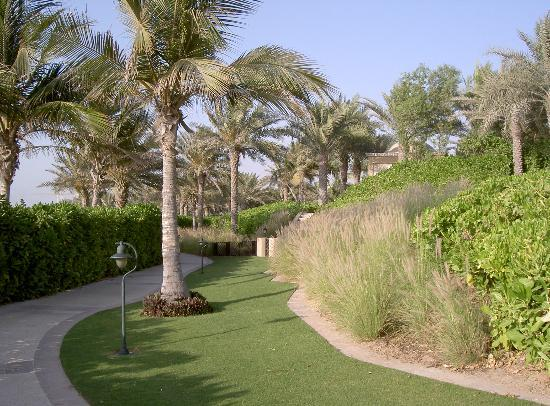 The Palace at One&Only Royal Mirage Dubai : Hotel grounds