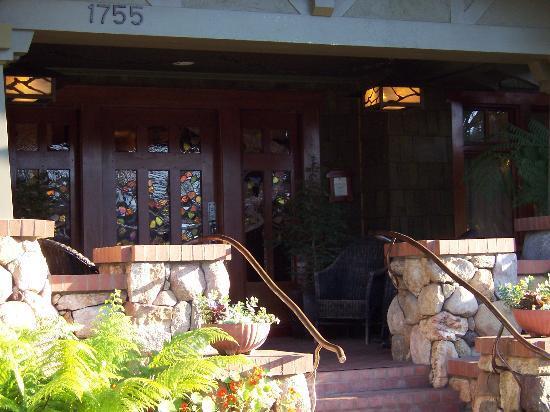 The front porch of the Blackbird Inn.