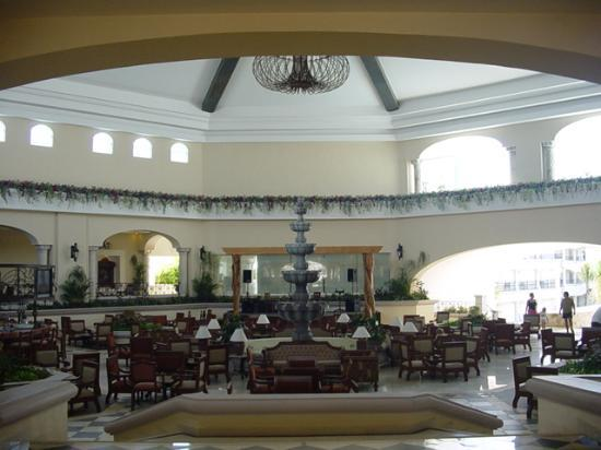 The Royal Playa del Carmen: Lobby of Royal
