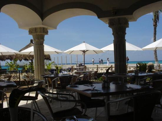The Royal Playa del Carmen: Beach-front Restaurant