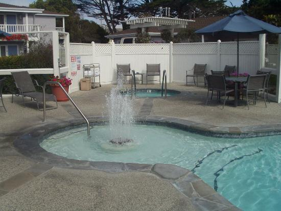 Monterey Bay Lodge: MBL-Jacuzzi