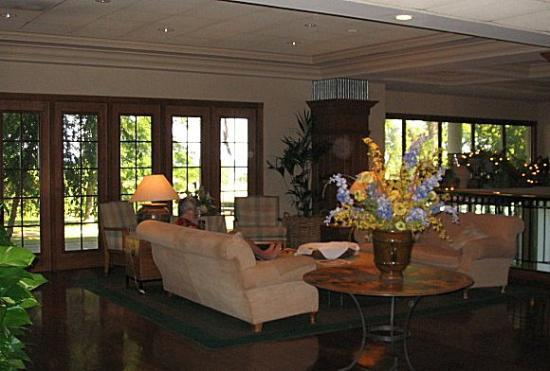 Boulevard Inn: Sitting Room / Lobby