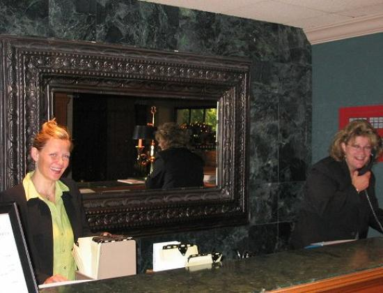 Boulevard Inn: Great Reception staff