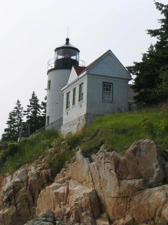 ‪أكاديا إن: Famous Bass Harbor Lighthouse‬