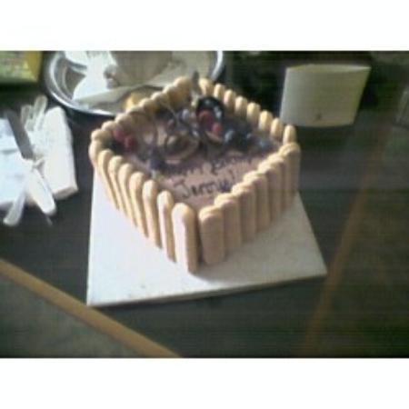 The Ritz-Carlton, New Orleans: Birthday cake from Ritz