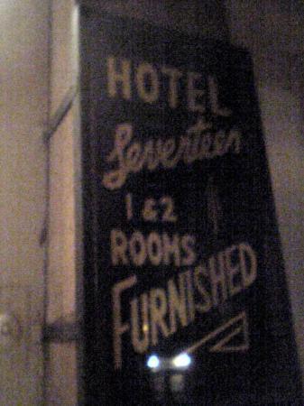 Hotel 17: Entrance