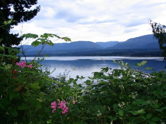 Earth Club Factory Guesthouse : From Denman Island looking at Vancouver Island