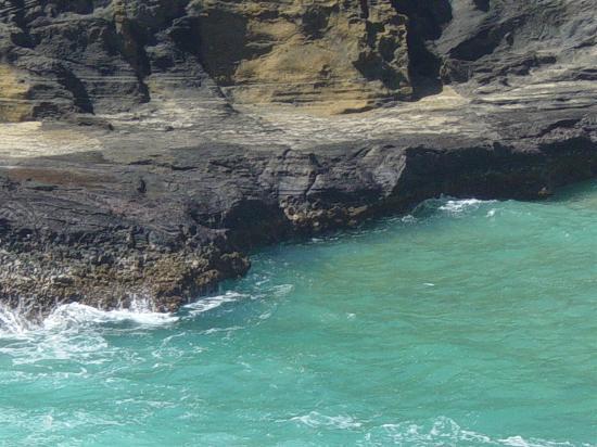 Honolulu, HI: A Lagoon near Diamond Head