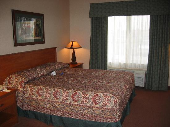 Holiday Inn Express Hotel & Suites Manteca: Bedroom