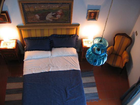 Donna Regina B&B : Room, looking down from the loft