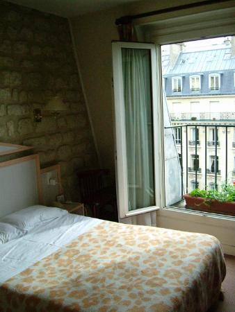 Prince Hotel: Room