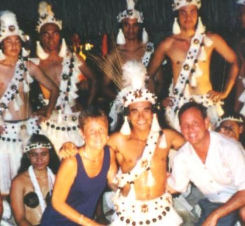 Isole della Società, Polinesia francese: Dance Troop In Bora Bora