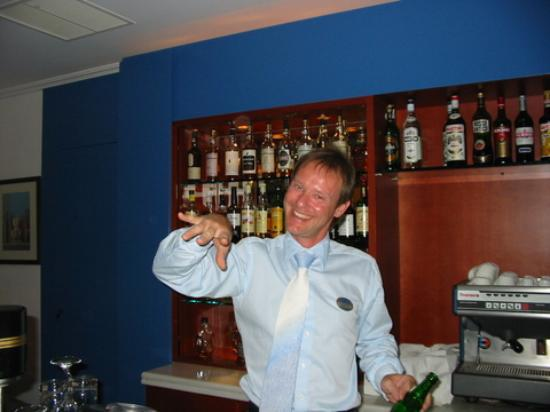 Mykonos Grand Hotel & Resort: Vaios, the awesome bartender