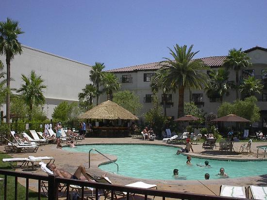 Tuscany Suites & Casino: pool and bar hut