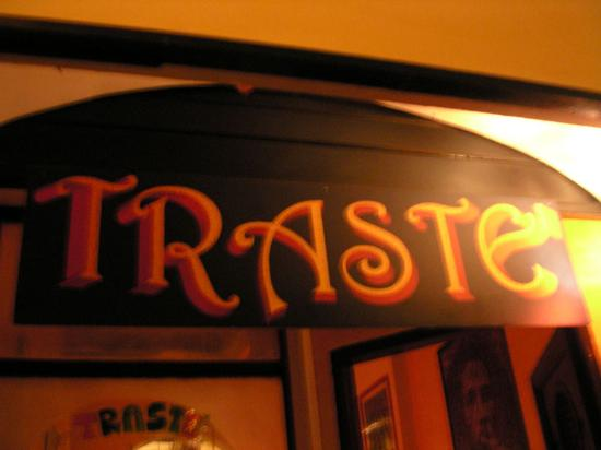 Traste Tea & Cocktail Pub
