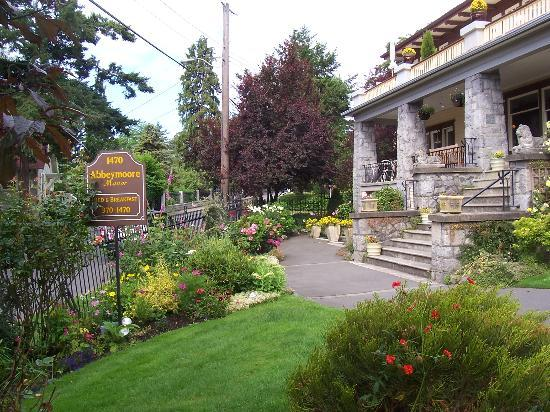 Abbeymoore Manor Bed and Breakfast Inn Photo