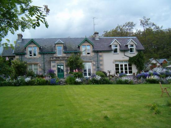 Braeriach Guest House: Braeriach House - Exterior Shot- July 2005