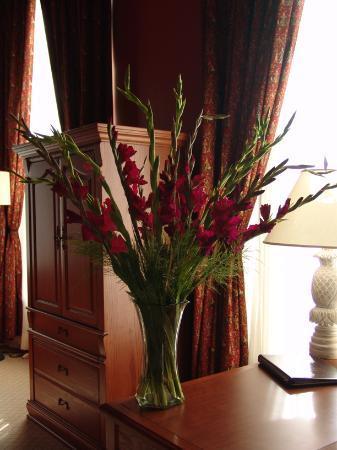 LHotel: Flowers