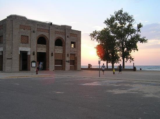 Chesterton, IN: Indiana Dunes Bath House at Sunset