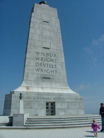 Outer Banks, Carolina del Norte: Wright Brothers Memorial