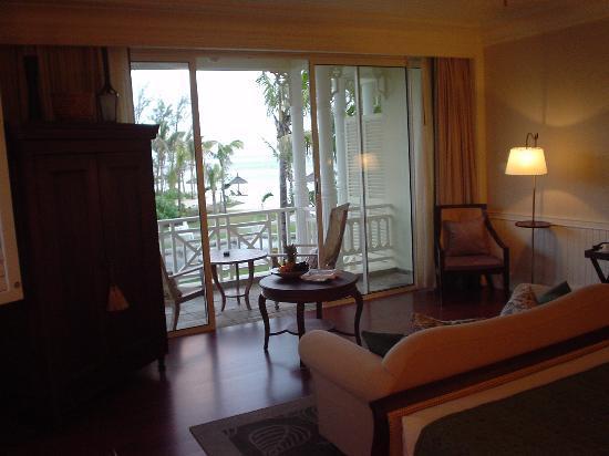 Heritage Le Telfair Golf & Spa Resort: the room 2