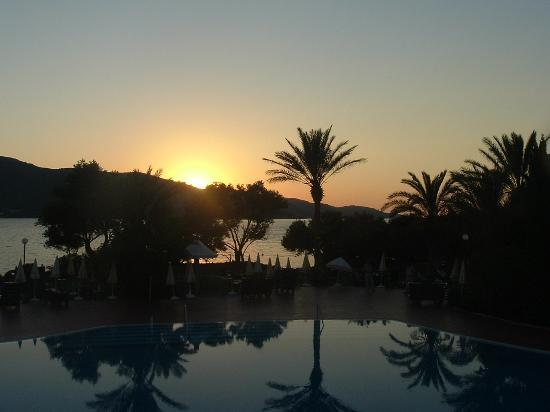 Eldorador Milta Holiday Village: Sunset at dinner - how gorgeous!